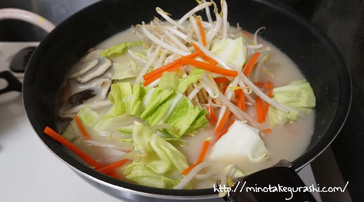 サイゲンさんによると、リンガーハットのちゃんぽんの最大のスープの特徴は甘さ。この甘みは、野菜のうま味がスープに溶け出していることが理由だといいます。牛乳